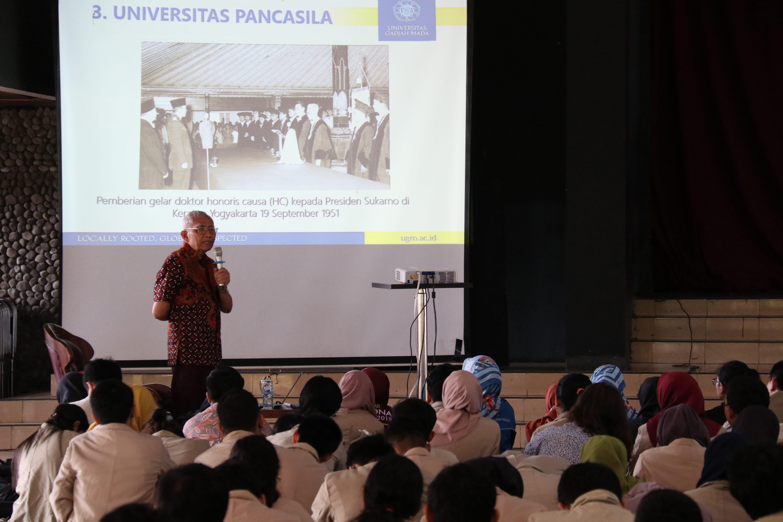 Prof. DR. dr. Sutaryo, S.PA(K). dalam Workshop Dharma Bakti Kampus 2019